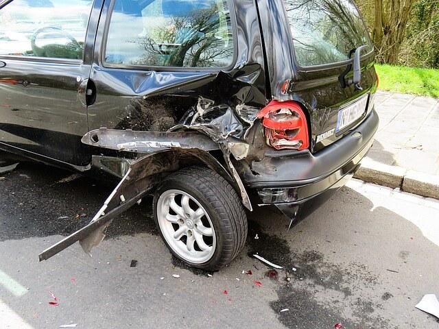 事故後の車