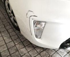 自動車の傷